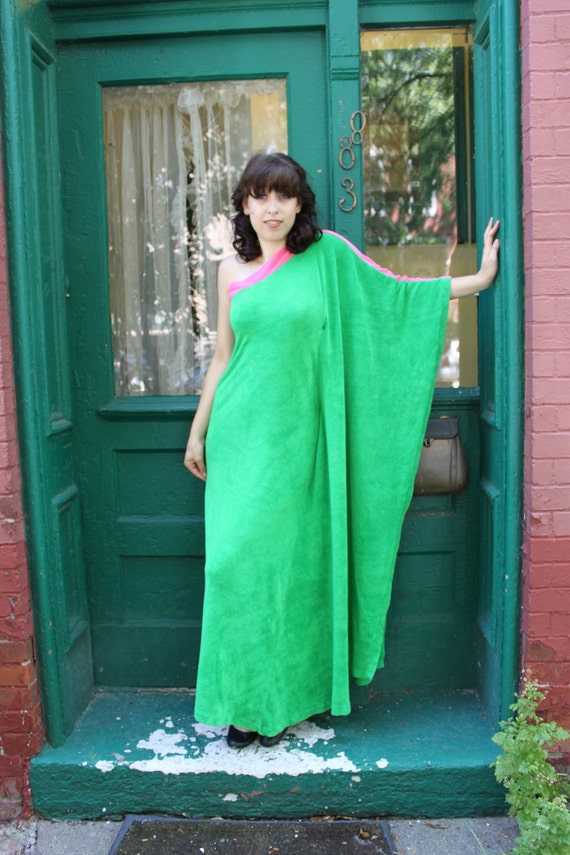 Dress Caftan 1960s 60s Vintage 1970s 70s ONE SHOULDER Green Pink S M