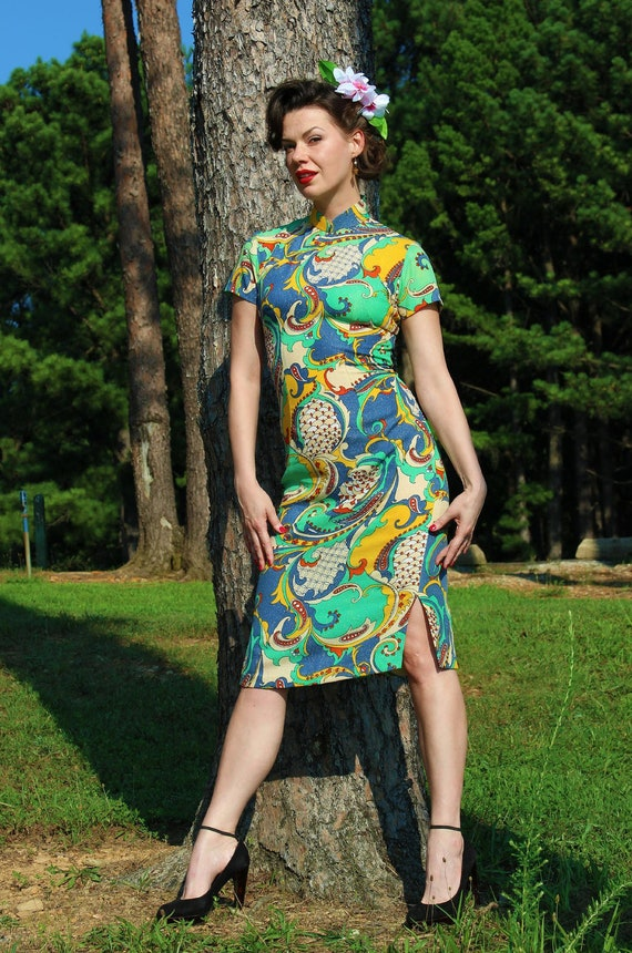 RESERVED For Andrea PAISLEY CHEONGSAM - Vintage Oriental Dress - 60s cocktail wiggle dress - Large