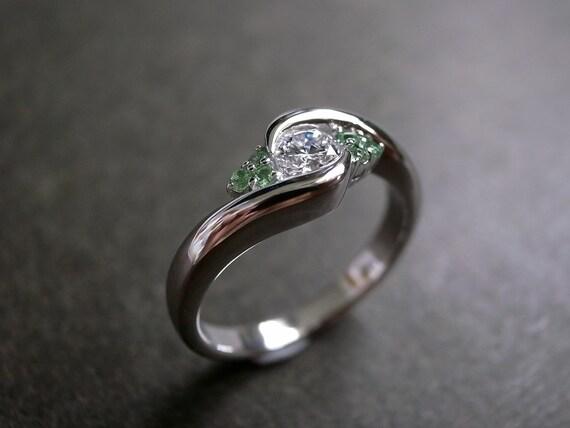 Diamonds Wedding Ring with Green Garnet in 14K White Gold