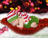 Christmas SET, Newborn Stocking Hat, Snow White, Red and Green with Matching Diaper Cover. Great for Holiday Photo Shoots or Holiday Cards.