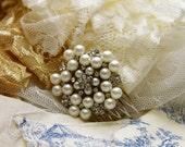 Pearl and rhinestone bridal comb
