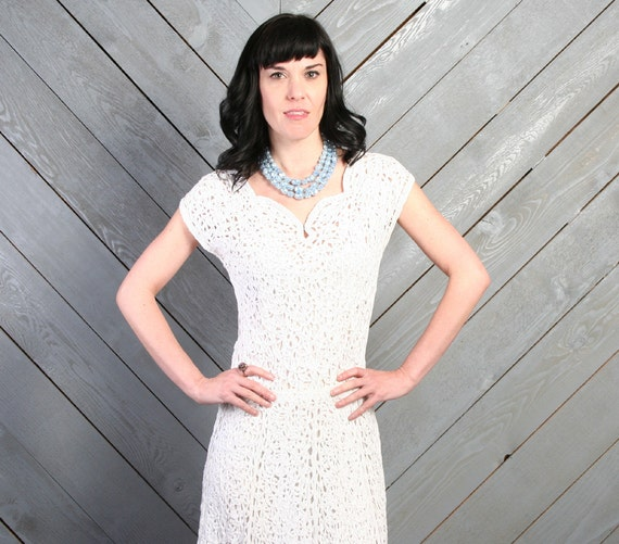 Vintage 1940s White RIBBON Crochet DRESS / WWII era Sweetheart Neckline, xs