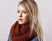 The Just Right Ribbed Cowl in Spice
