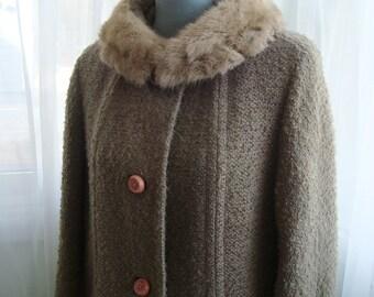 Cozy Nubby Tweed Coat With Fur Collar, Medium
