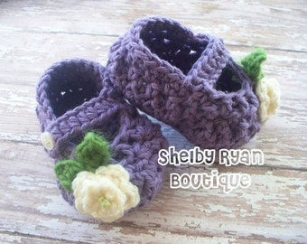 Crochet Pattern for Petite Mary Jane Slippers - Baby Booties Slippers in 3 sizes - Welcome to sell finished items