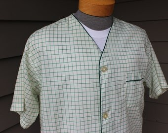 vintage 1960's Brooks Brothers Men's short sleeve Pajama top. Appears 'New'. Green windowpane on White. Large. Wear it as a shirt...