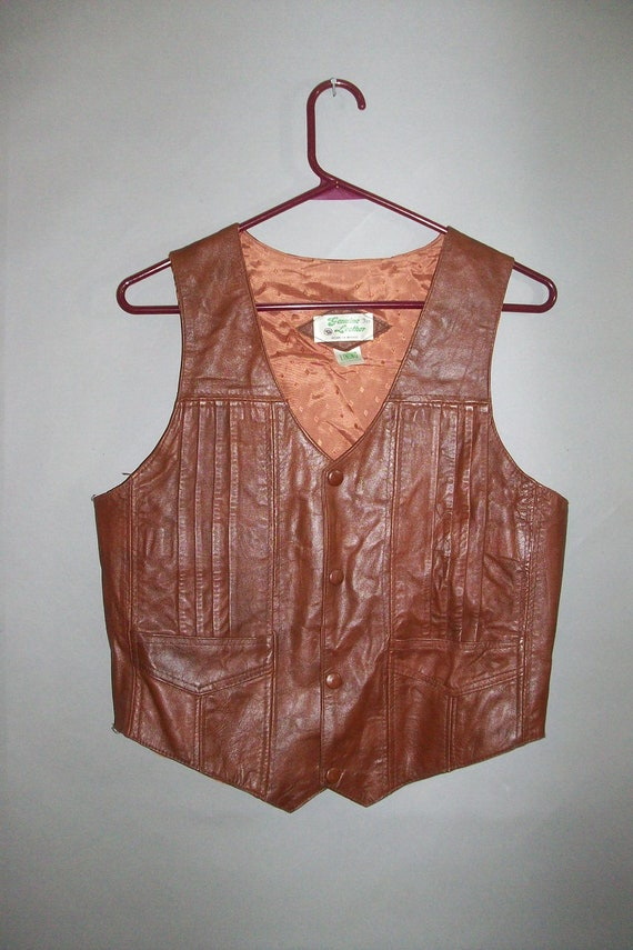 1970s Leather Vest // Snap Front // fully lined...small