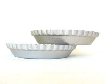 "Vintage Wearever Pie Pans 2865 (10"") or Wear-Ever Aluminum 2864 Pie Plate (8.5""), Fluted Juice Saver"