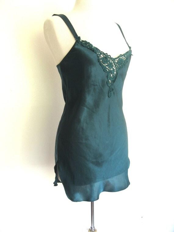 CLEARANCE Vintage Emerald Green Chemise Size Medium