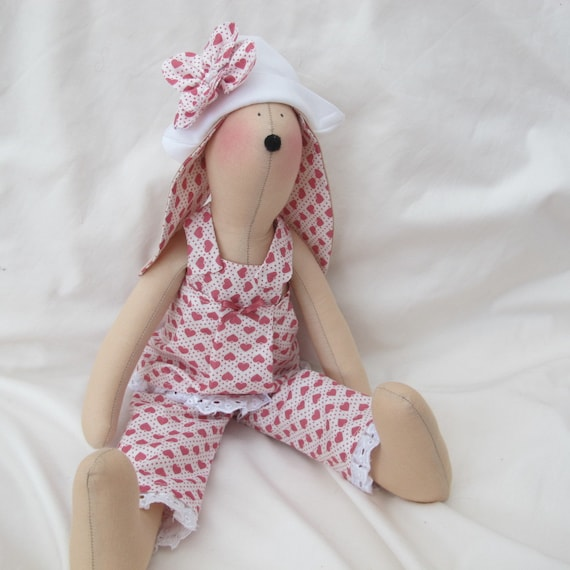 Tilda Bunny - Pink heart outfit