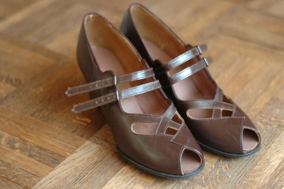 vintage NOS 1940s shoes / 40s brown leather mary janes / size 7.5