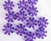 40 Vintage 10mm Plastic Purple Flower Beads Bd244