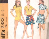 McCall's 2383 1970s Sewing Pattern Jr Playsuit Mini Skirt Midriff Crop Top Front Zipper Size 7 Bust 31