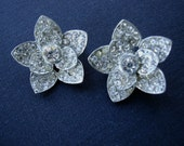vintage rhinestone brooch flower set