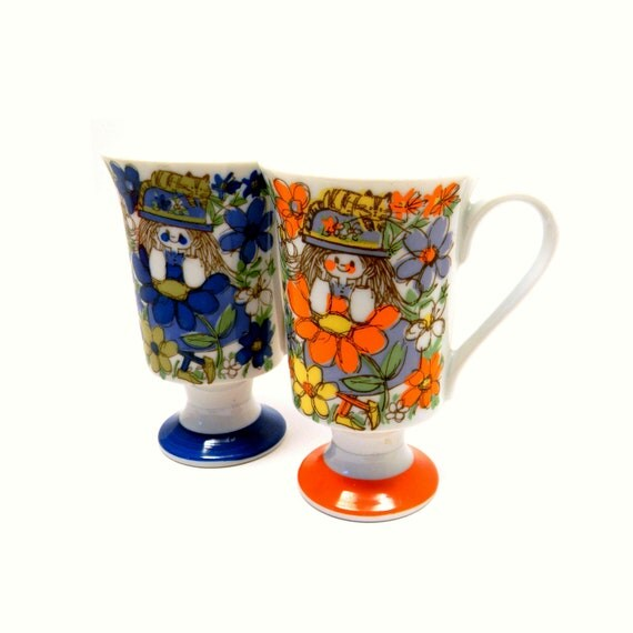 Floral Smug Mugs, Vintage 1960s Teal & Orange Girls with Cats