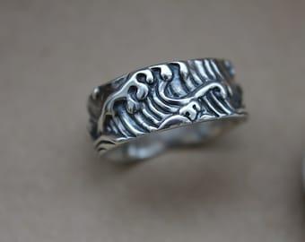 Wave Custom Men's Wedding Band Ring