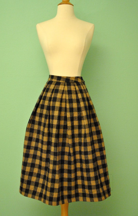 Fantastic Vintage Plaid Skirt in Black and Beige Plaid High Waist Pleated Knee Length for Rockabilly Pinups - VLV - Mad Men Preppy Secretary