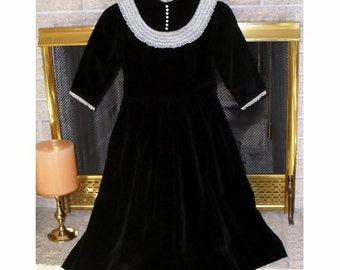 Dress Black Velvet Girls Dress Vintage Bust 31 inches Sale Size 14 Girls