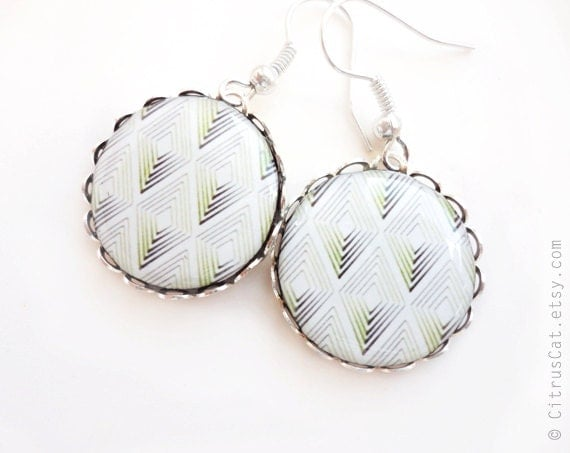 Green and black rhombus earrings, geometric jewelry, christmas jewelry, rustic, tribal earrings, green white black