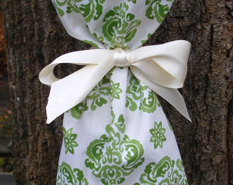Decorative Festive Wine Gift Bag Tote Soft Green and Cream Floral. For Mother's Day, wedding, Bridesmaids, Hostess Gift
