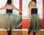 Vintage 1970s Gold Accordion Pleated Sheer Metallic Lurex Skirt Sz Small Medium