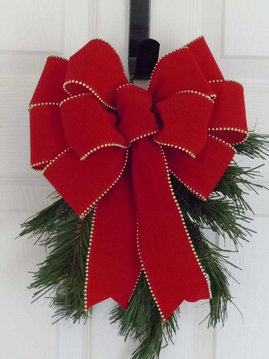 Traditional red velvet christmas wreath bow indoor outdoor