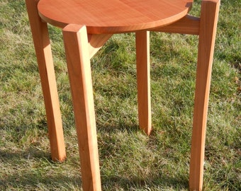 Cherry round top end table
