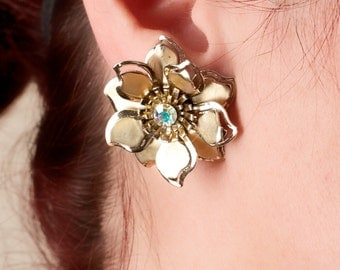 Vintage Floral Earrings Gold Tone and Rhinestone Clip On