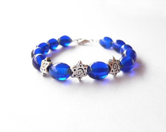 Blue bracelet handmade with blue glass beads. ooak made in Italy