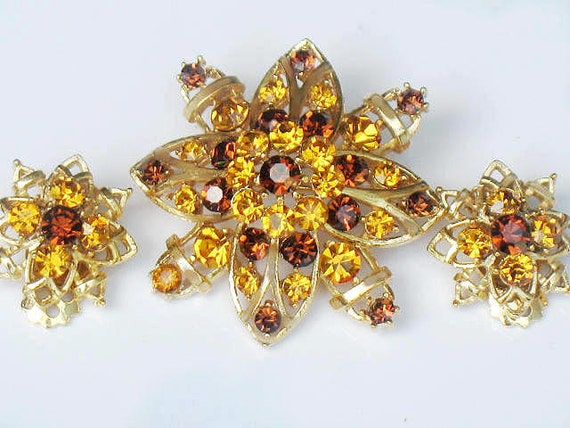 Yellow Rhinestone Flower Set Lisner Brooch and Earrings Midcentury 1950s Signed  Demi Parure Jewelry Collectible Gift Idea For Women