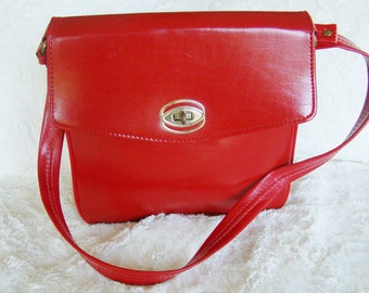 1960's Mad Men Vintage Lipstick Red Hangbag