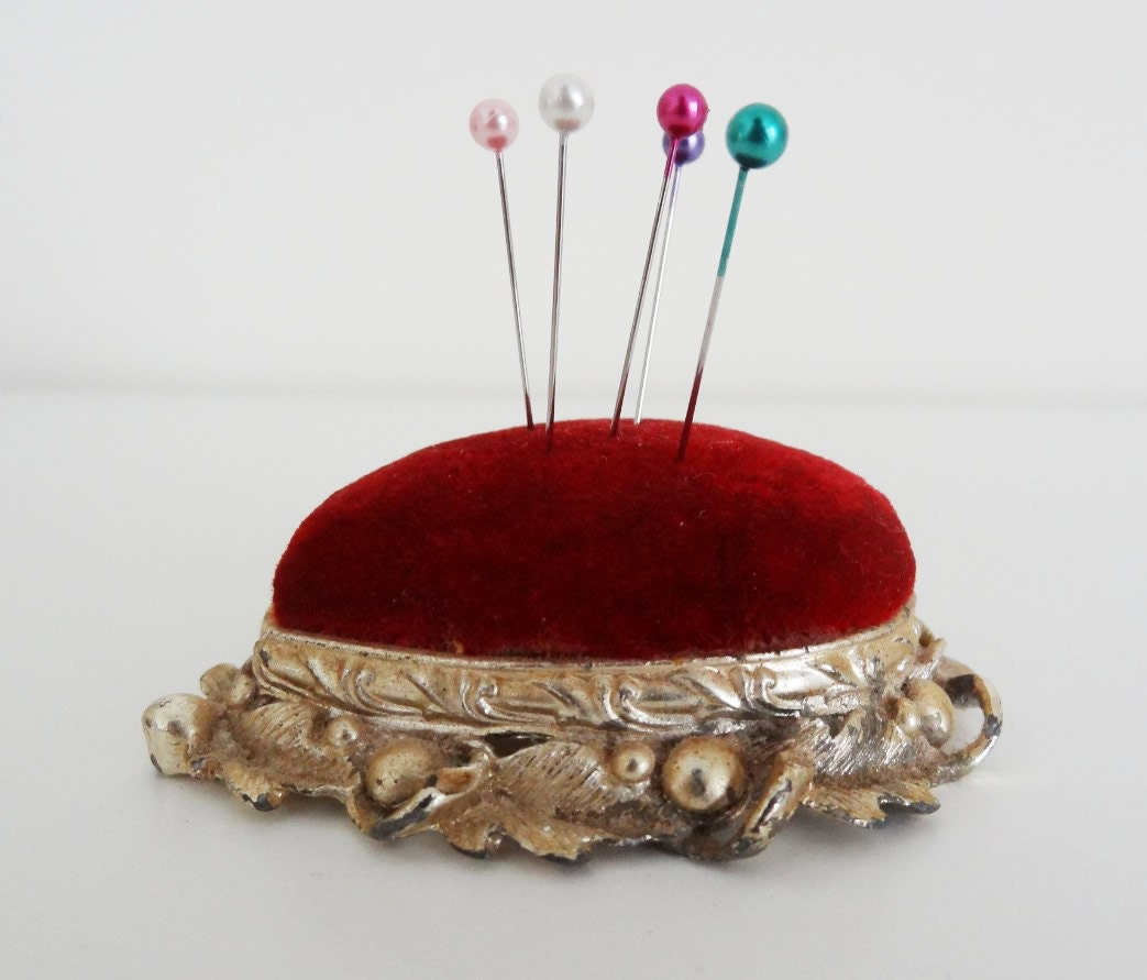 Vintage Stick Pin Hat Pin Holder Pin Cushion Needle Holder