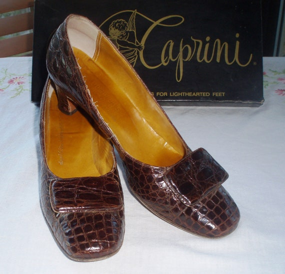 Vintage 1960s Caprini Alligator  Pumps with Box, Size 9 N, Brown