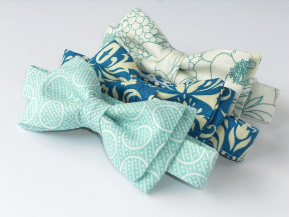 Bow tie for boys, green bow tie, toddler bow tie, aqua bow tie, boys birthday outfit, mint bow tie, men's bow tie, ring bearer bow tie