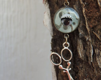 CLEARANCE - Eye Sew necklace