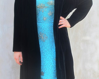 Vintage 50s Black Velvet Opera Coat w/ Rhinestone Buckle
