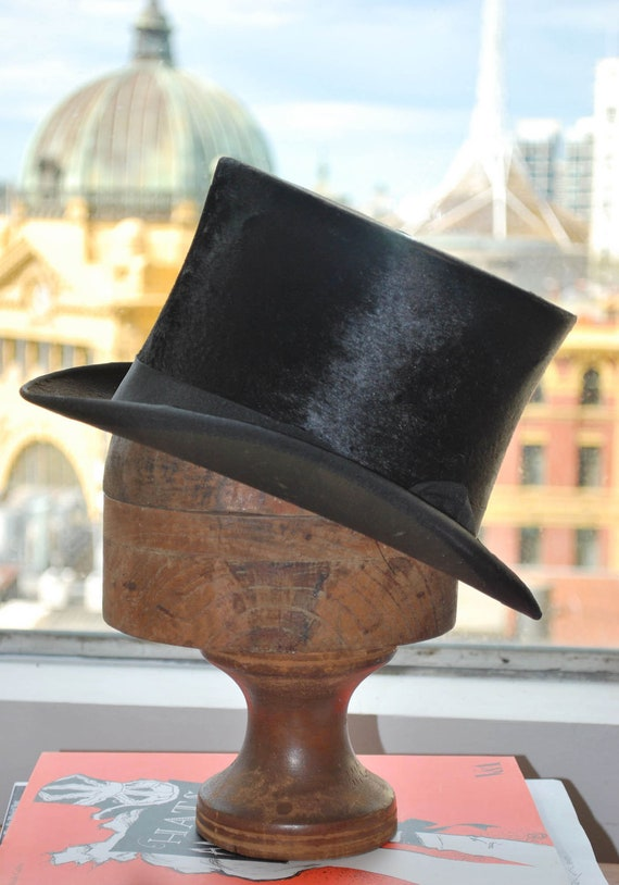 ANTIQUE Vintage TOP HAT - Black Beaver Fur and Silk - Young Bros of New York  - Hat Size 6 7/8