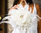 Wedding Fabric Bouquet - Feather bouquet, Wedding bouquet, Bridal bouquets, Vintage look, Peacock Feathers, White/Ivory bouquet