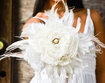 Wedding Fabric Bouquet - Feather bouquet, Wedding bouquet, Bridal bouquets, Vintage look, Peacock Feathers, White/Ivory bouquet
