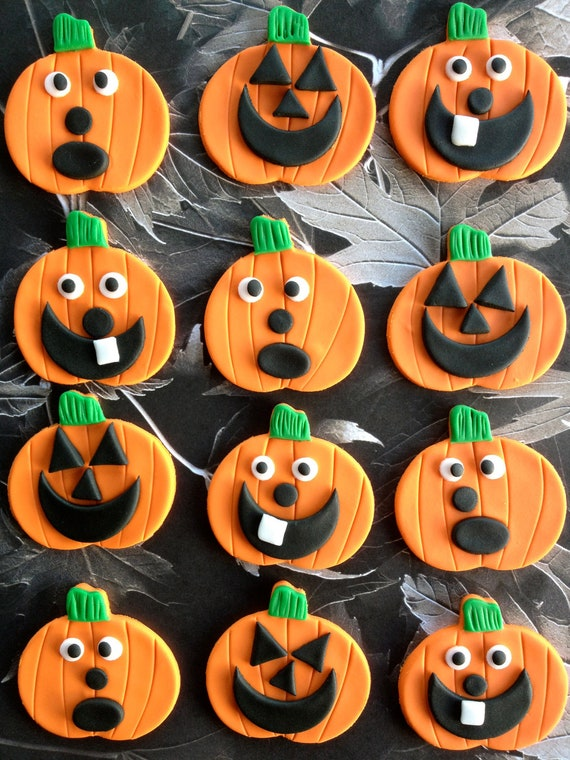 Fondant Cake Halloween Ideas : Items similar to Fondant Halloween Cupcake Toppers - Set of 12 on Etsy