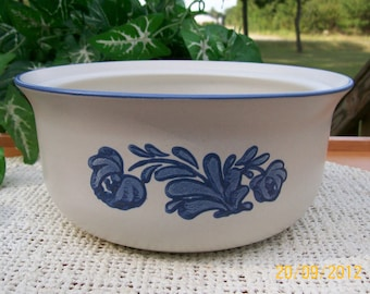 Vintage PHALTZGRAFF Pottery Casserole Dish Yorktown Blue and White Pattern