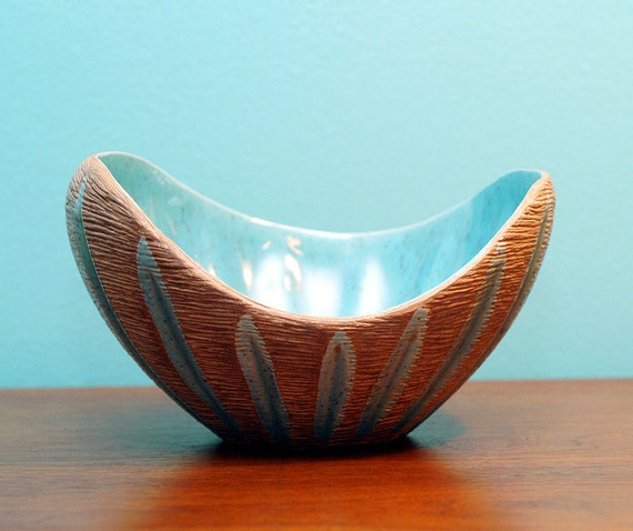 Vintage Mid-Century Danish Modern Biomorphic Shaped Studio Art Pottery Bowl Eames Era California Modern