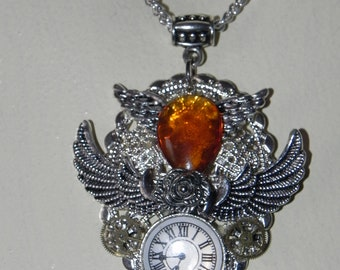 Steampunk Wing Neclake Pendant with clock