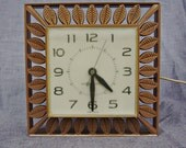 Vintage 1960s General Electric Wall Clock - Tan with Leaves