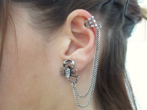 Scorpion ear cuff