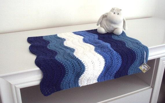 Art culos similares a manta bebe mini olas azules manta - Mantas de bebe hechas a ganchillo ...