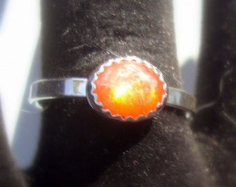 Ring Simple Sunstone eco-friendly in sterling silver - 8x6mm golden orange shiny stone - Custom Made in USA in your Size