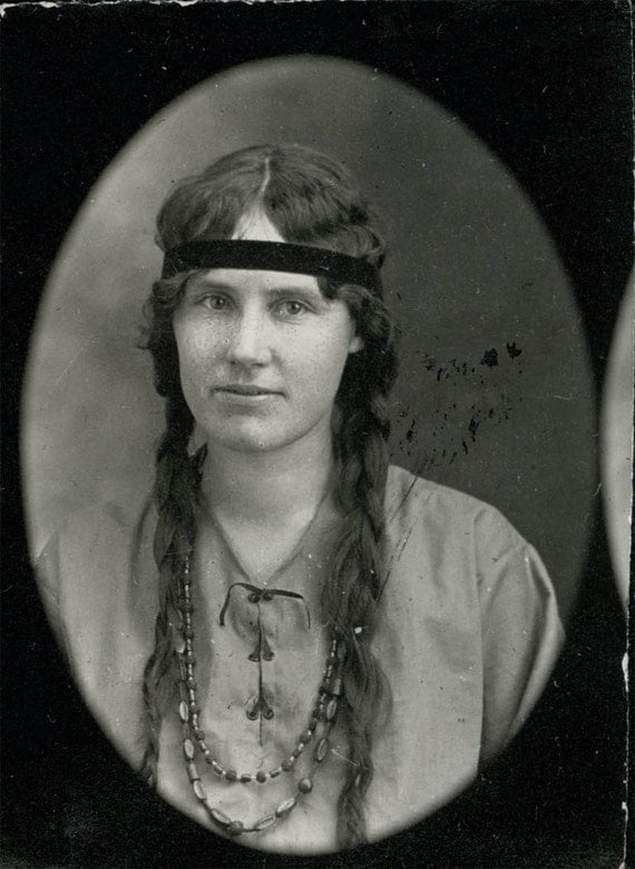 vintage photo 1917 INdian MAiden Long Braids photo booth photobooth