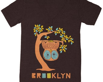 Brooklyn Tree - V-neck T-shirt Tee Shirt Cute Retro New York NYC Upside Down Owl Woodland Funny Forest Bird Charcoal Tri Black Vneck Tshirt