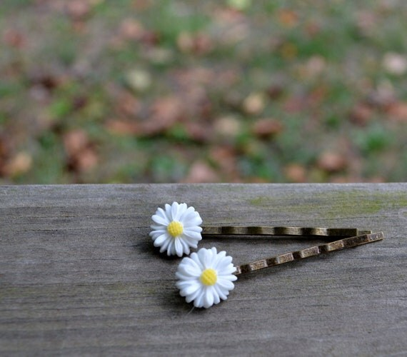 Daisies - Bobby Pin Set (2) - Daisy - Bobbies - Spring - Easter - Yellow - White - Flower - Gifts Under 25